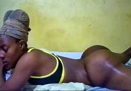 african diva from chaturbate have an incredible natural sexy round ass !!!!