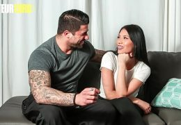 CASTING FRANCAIS – (Jennifer & Ryan Bones) Sexy Shy Asian Fucks On Casting With A Gym Trainer 14 min