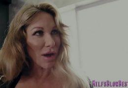 Slutty cougar gets tits cumshot